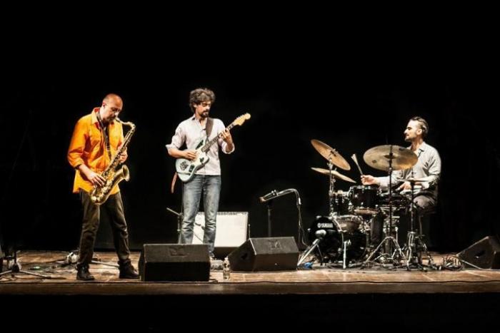 Mat Trio